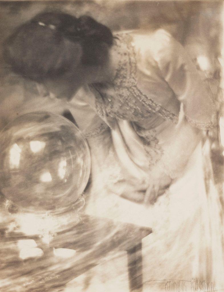 La boule de crystal 1904, Gertrude Käsebier sur Julien et le champ des possibles, julien robert photographe