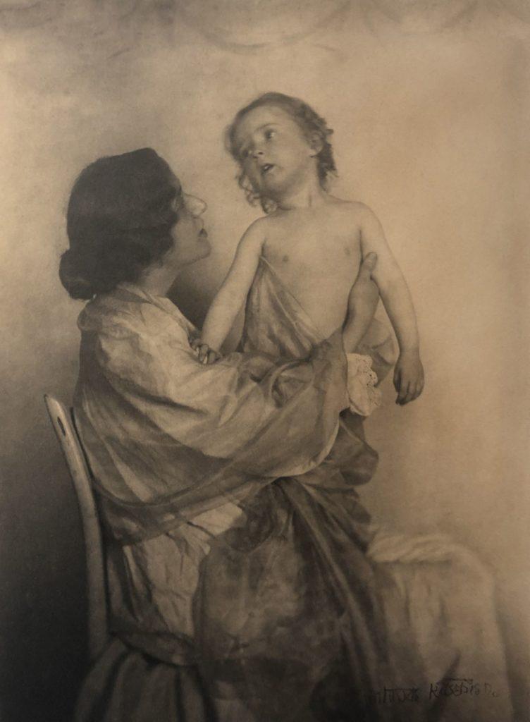 Adoration 1907, Gertrude Käsebier sur Julien et le champ des possibles, julien robert photographe